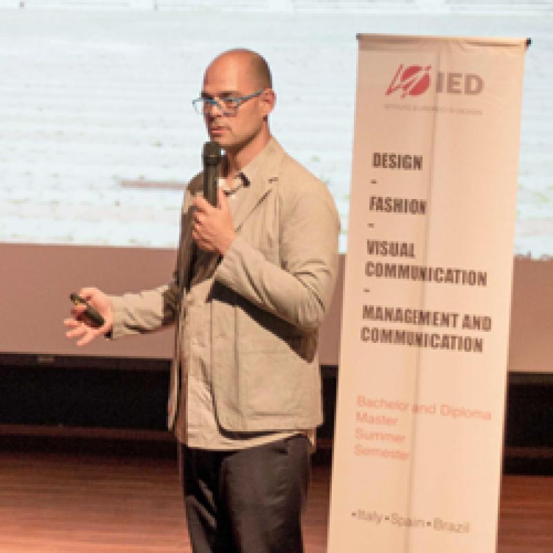 Horge Perez, ambassador del IED Madrid visitó UCAL